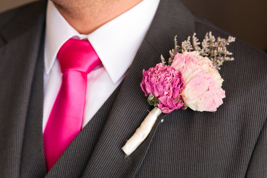Pink-wedding-boutonniere-dried-flowers.full