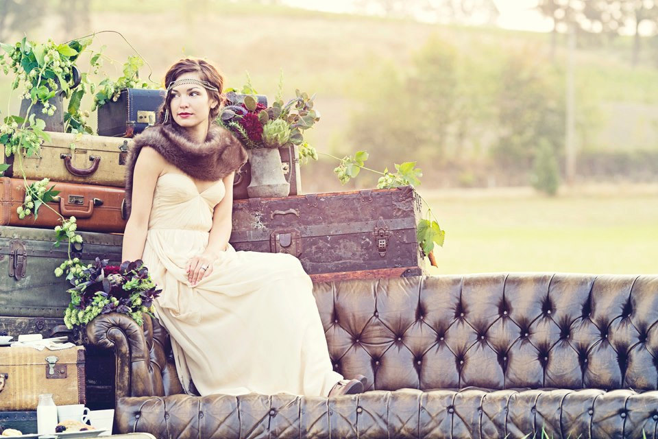 Outdoor-vintage-wedding-portrait-great-gatsby-bride.full