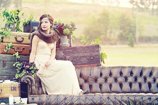 Outdoor-vintage-wedding-portrait-great-gatsby-bride.medium_large