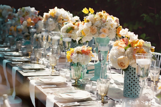 blue-white-peach-vintage-wedding-table-centerpieces