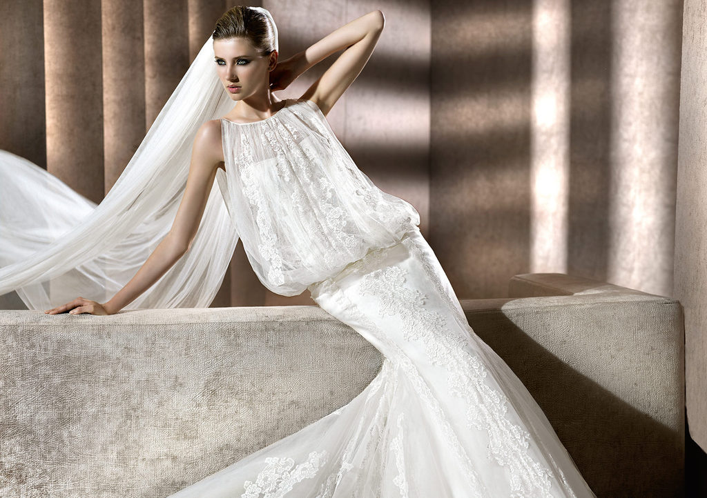 Lace-wedding-dress-by-manuel-mota-for-pronovias.full
