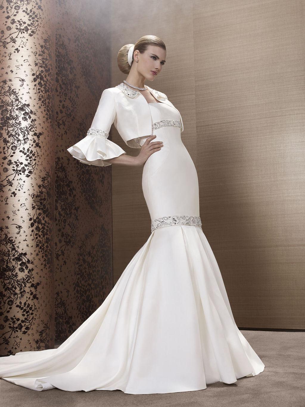 2013-wedding-dress-by-french-bridal-designer-elisabeth-barboza-kj63.full