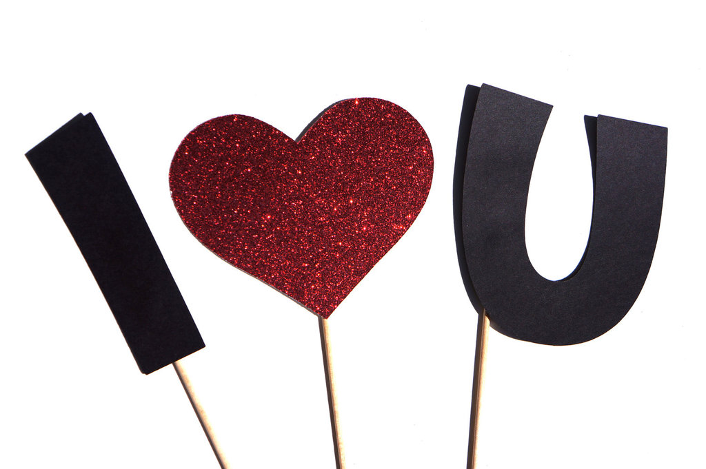 Wedding-photo-booth-props-i-heart-you.full