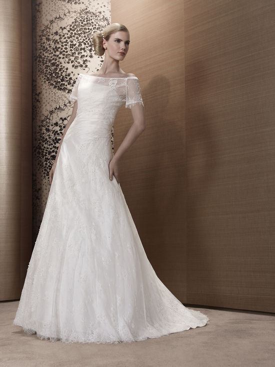 2013 Wedding Dress by Pronuptia Paris KH09