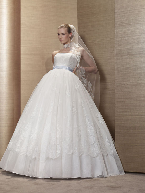 2013 Wedding Dress by Pronuptia Paris KF01