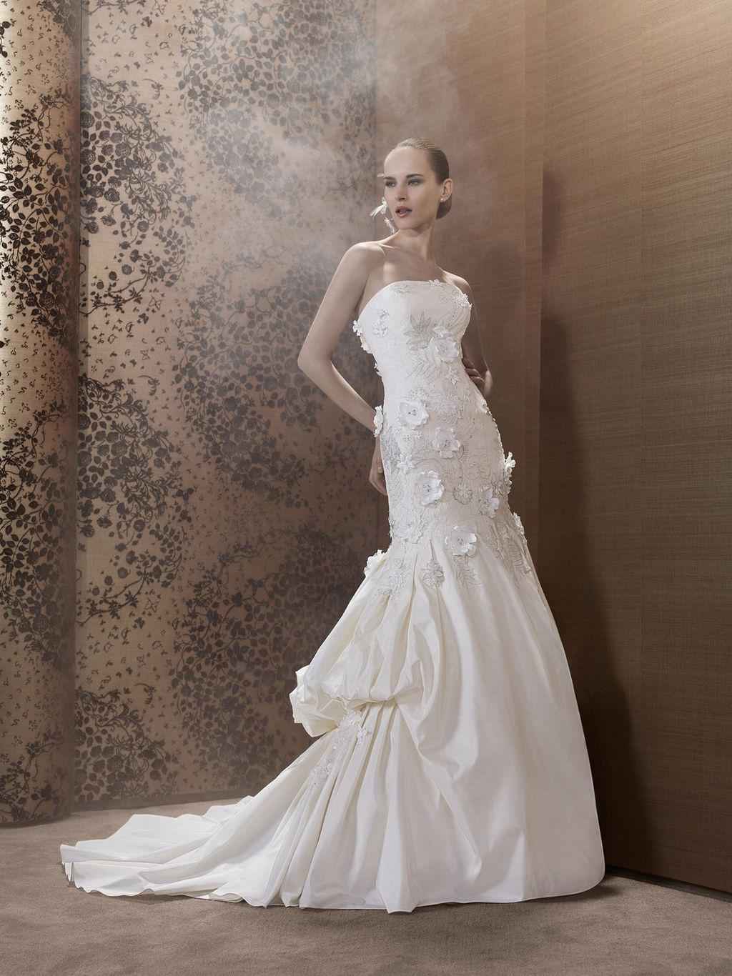 2013-wedding-dress-by-pronuptia-creations-ki49.full