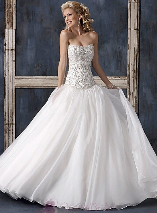 Elegant-Exquisite-Charming-Strapless-Ball-Skirt-Wedding-Dress-W2347