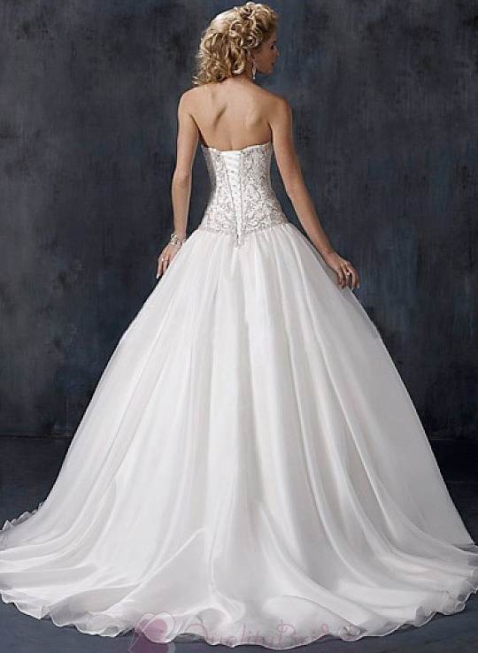 Elegant-Exquisite-Charming-Strapless-Ball-Skirxt-Wedding-Dress-W2347