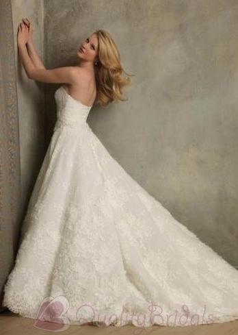 Ivory-applique-lace-couture-vintage-wedding-dressdes-w1201.full