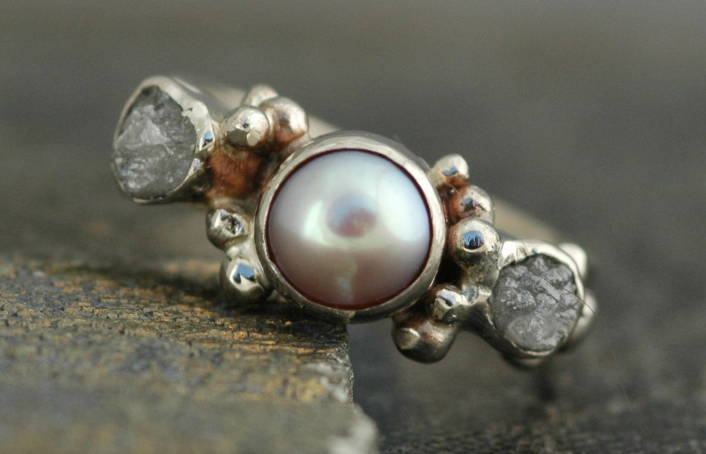 Stunning-pearl-and-rough-diamond-engagement-ring.full