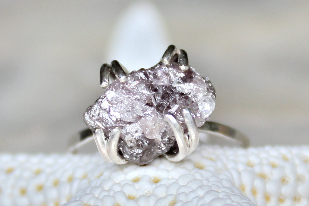 alternative engagement rings rough purple diamond - Alternative Wedding Rings