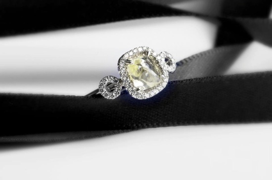 Elegant Engagement Ring Rough Diamond Center Stone