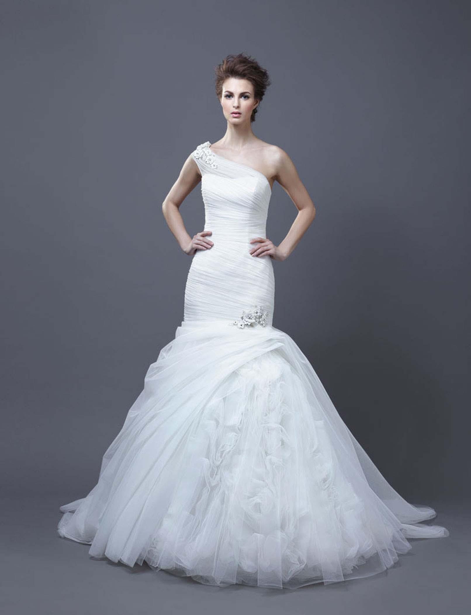 2013 wedding dress by enzoani bridal hadara for Enzoani fabi wedding dress