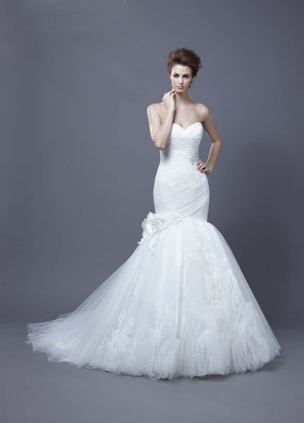 2013-wedding-dress-by-enzoani-bridal-harika.full