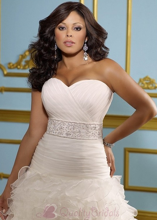 Glamorous-Organza-A-line-Sweestheart-neckline-Plus-Size-Wedding-Dress-W2092
