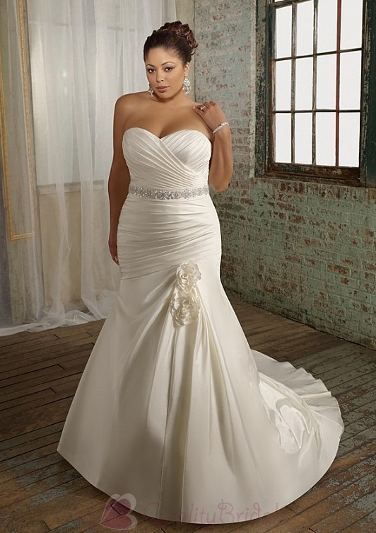 Glamorous-Satin-Mermaid-Sweetheart-Neckline-Plus-Size-Wedding-Dress-With-Beads-and-Handmade-Flowers-W2062