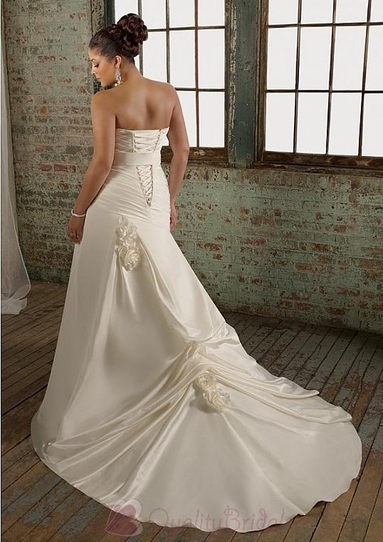 Glamorous-satin-mermaid-sweetheart-neckline-plus-size-wedding-dress-with-beads-and-hsandmade-flowers-w2062.full