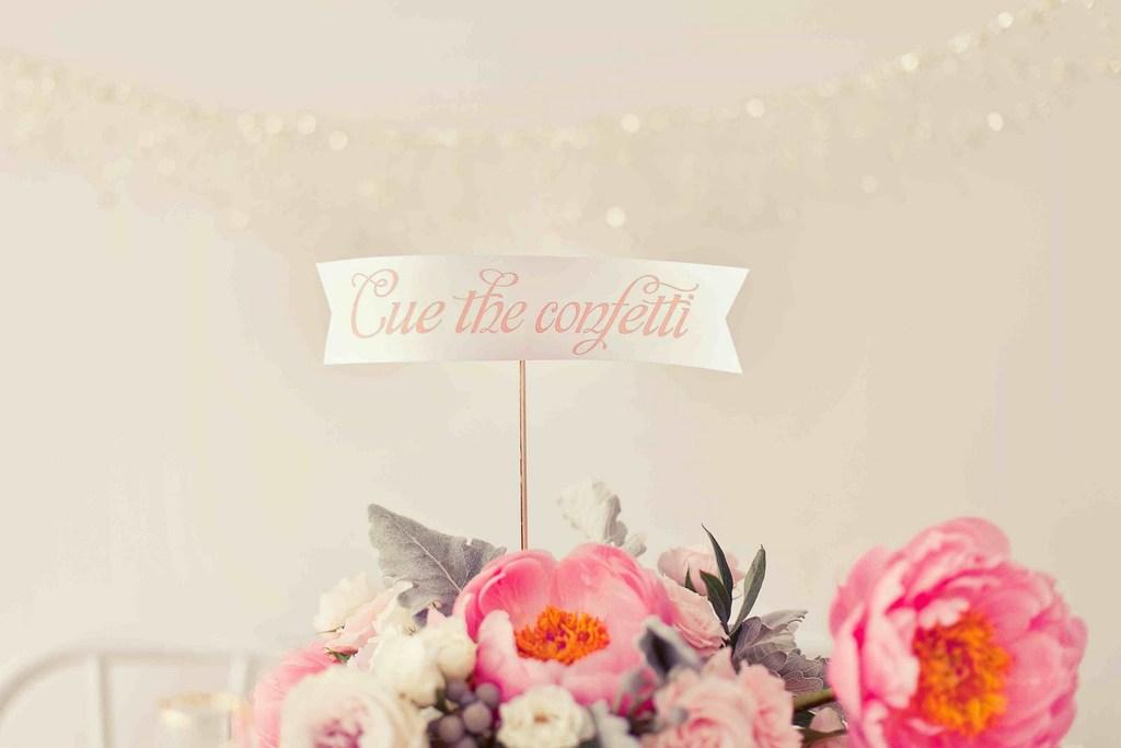 Nye-wedding-inspiration-glittery-gold-cupcake-flags.full