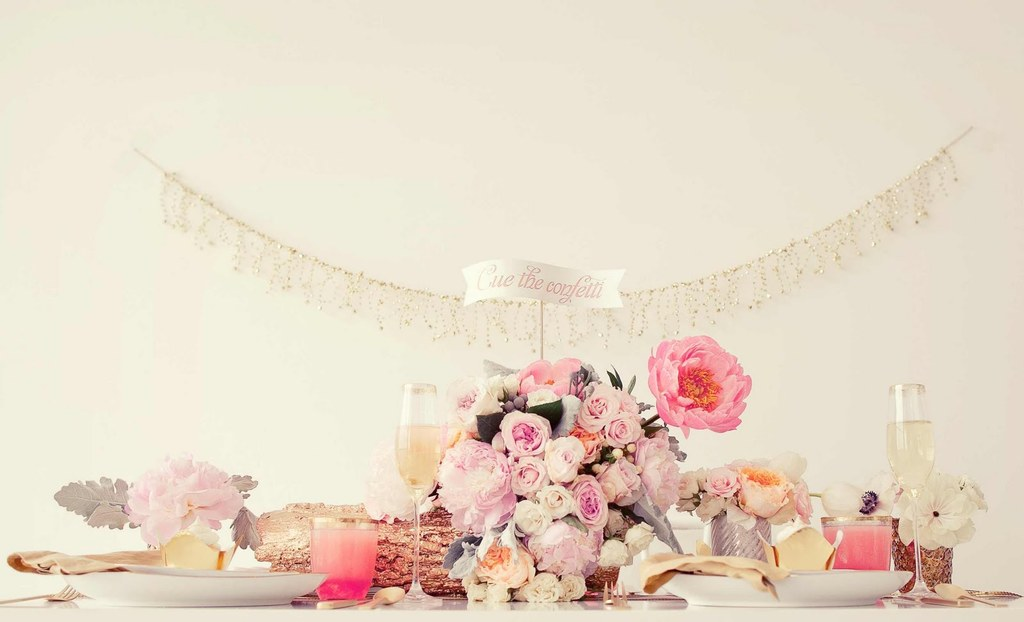 Sweetheart-table-for-romantic-new-years-wedding.full
