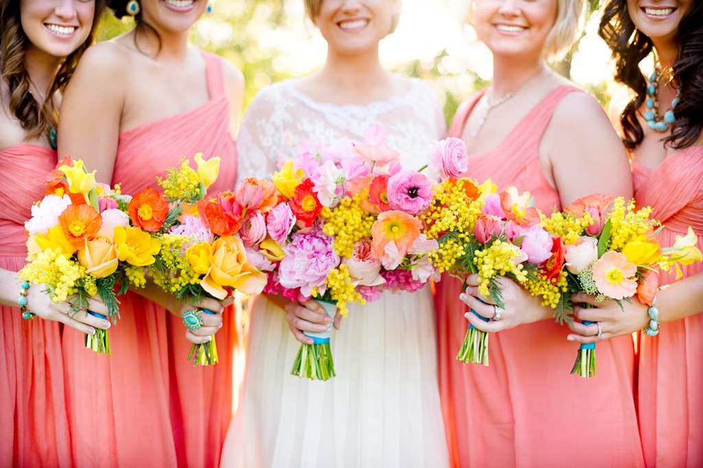 Gorgeous-yellow-pink-orange-red-bouquets-for-bridesmaids-and-bride.full