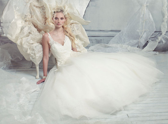 2013 Wedding Dress Alvina Valenta Bridal Gowns 9301