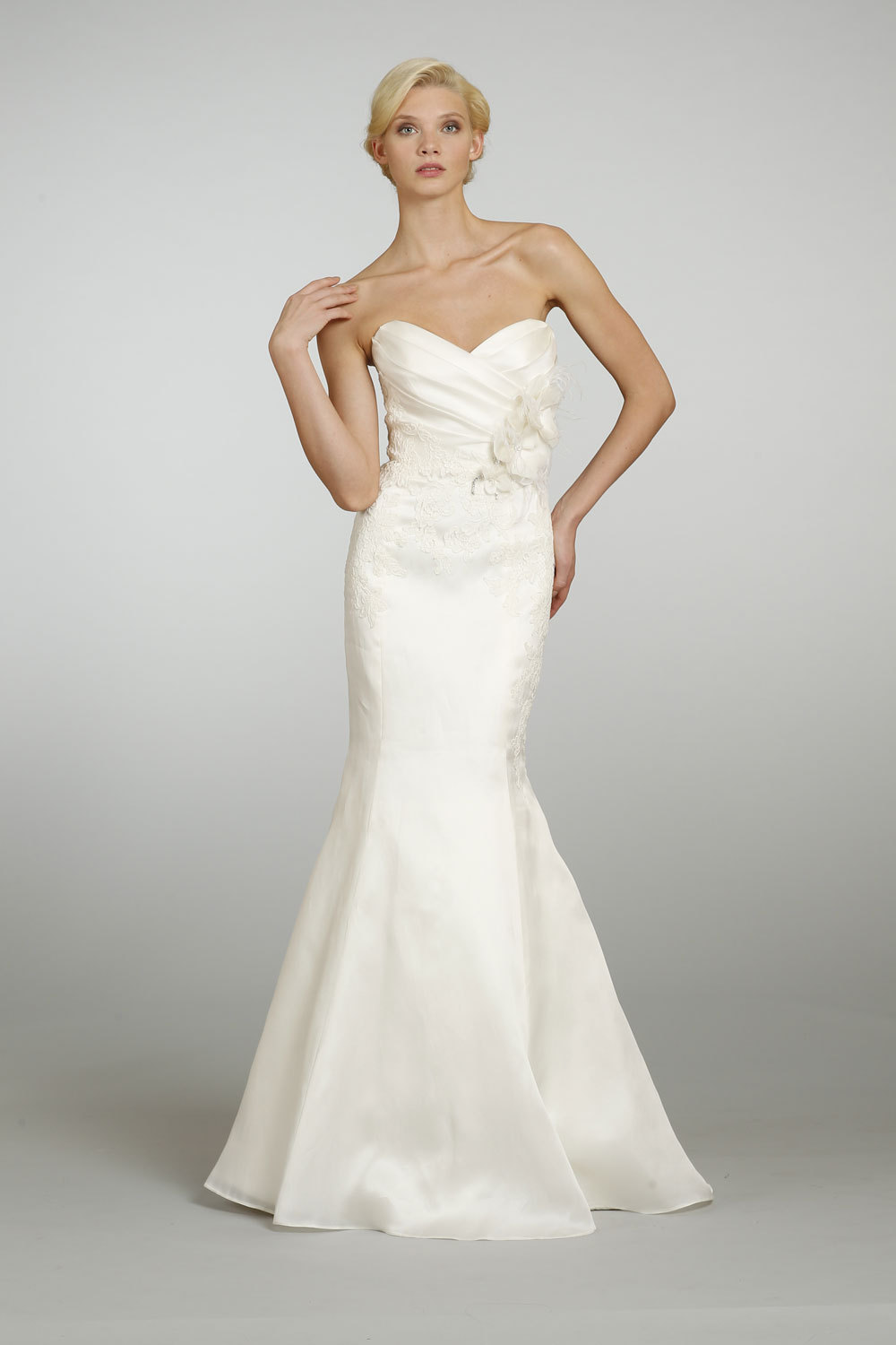 Spring-2013-wedding-dress-alvina-valenta-bridal-9304.full