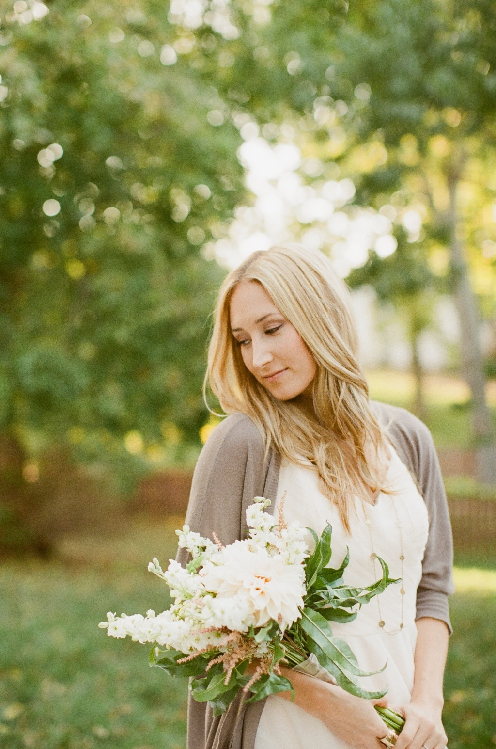 Outdoor-wedding-shoot-romantic-bride-with-bouquet.full