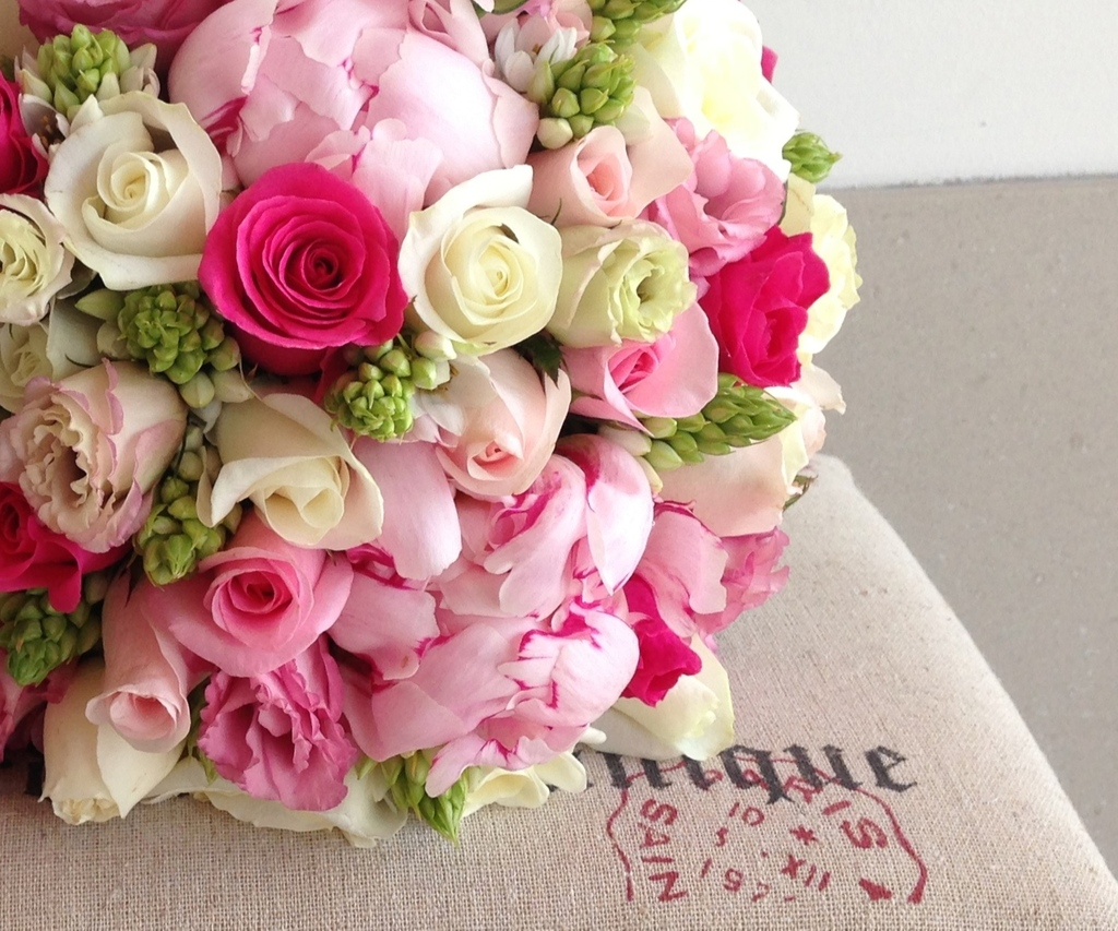 Roses-and-peonies-romantic-bridal-bouquet.full