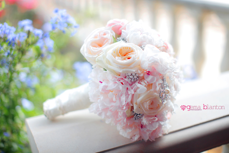 Romantic-rose-and-peony-bridal-bouquet.full
