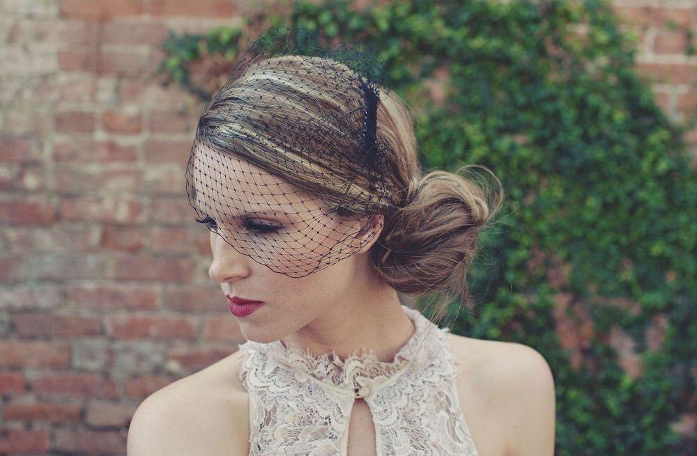 Classic-bridal-veil-birdcage-hair-accessory-black-net.full