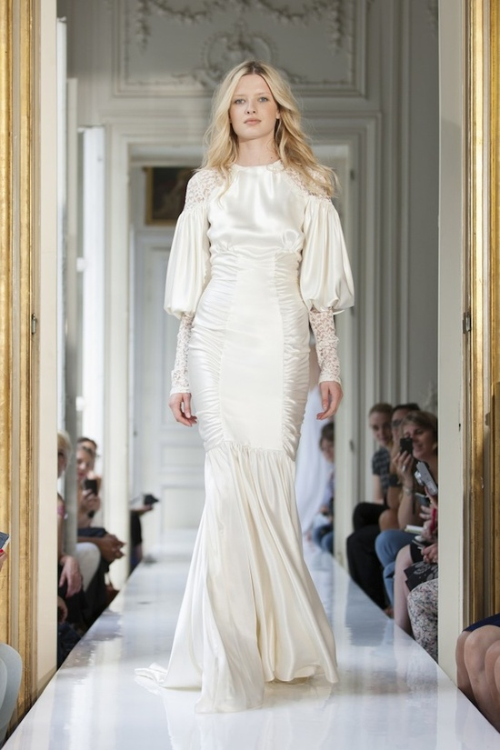 1920s inspired sleeved bridal gown