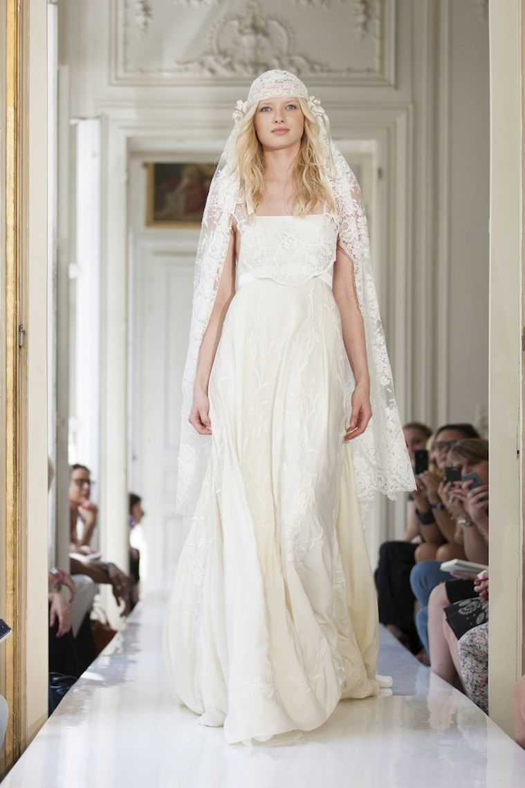 2013-wedding-dress-by-delphine-manivet-french-bridal-crespin.full