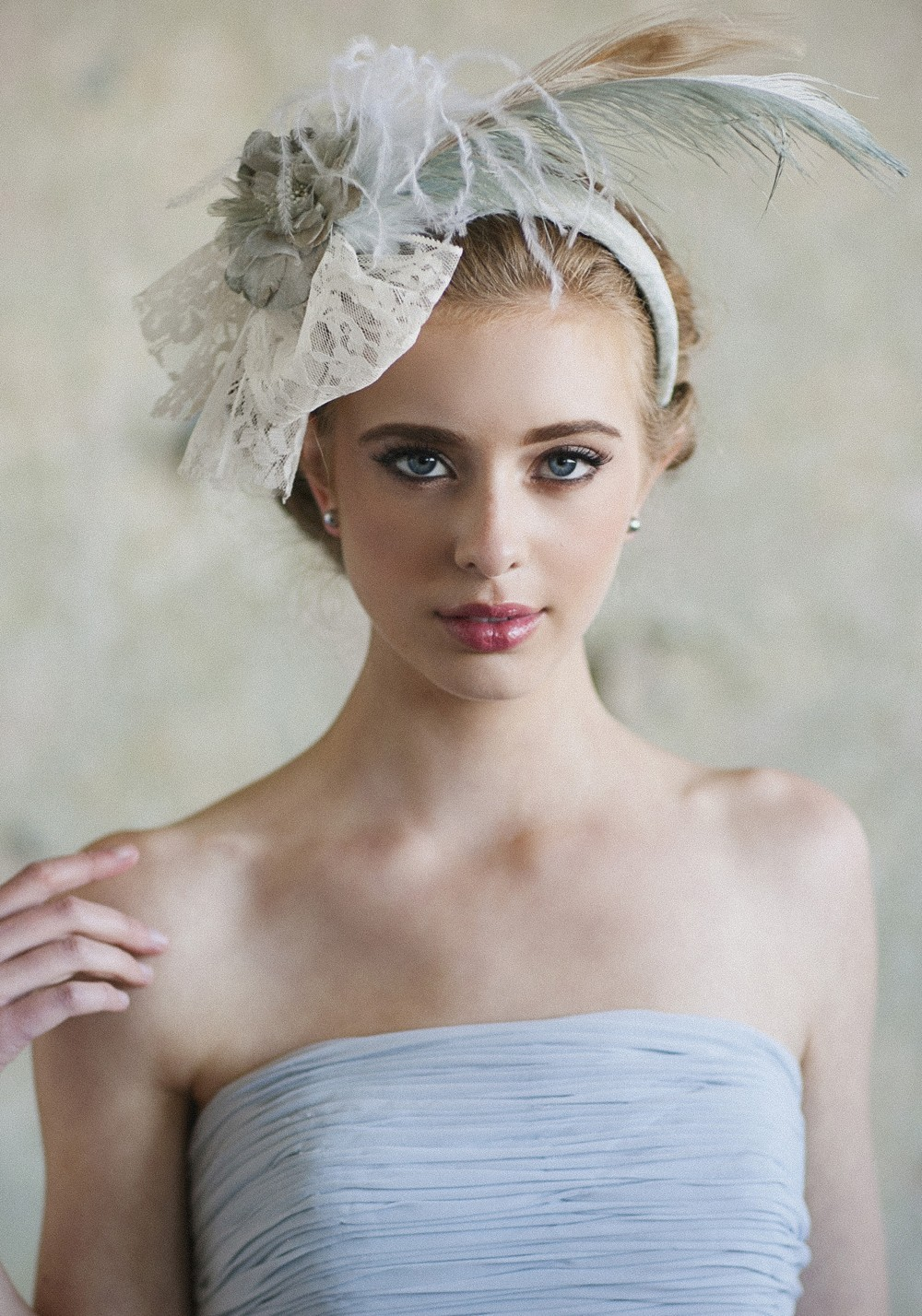 Something-blue-feather-bridal-headband.full