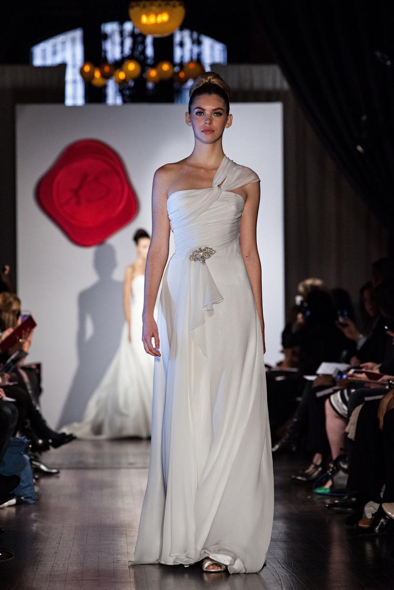 Austin-scarlett-wedding-dress-2013-bridal-as15.full