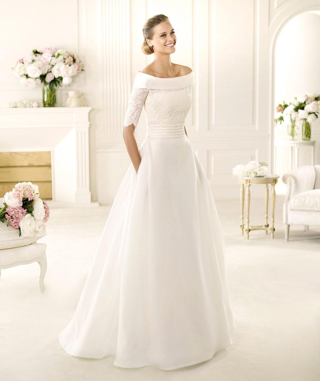 2013-manuel-mota-wedding-dress-for-pronovias.full