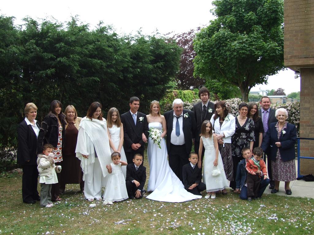 Wedding_lineup.full