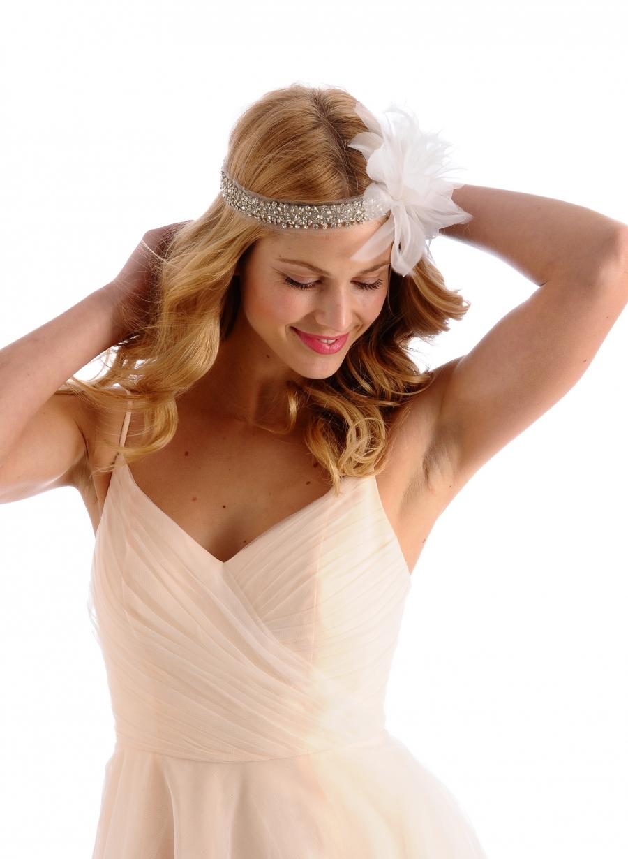 Flapper-inspired-wedding-hair-accessory.full