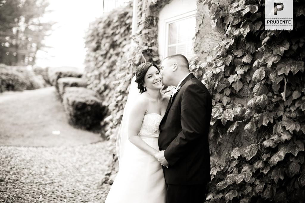 Salem_ma_wedding_photographers.full