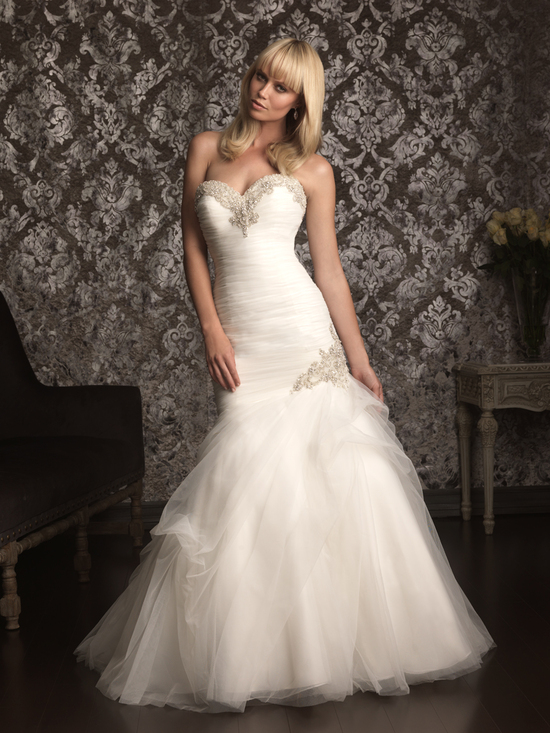 Allure Bridals Wedding Dress Bridal Gown Allure Collection Sweetheart 9002F
