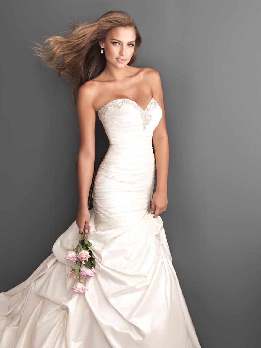 Allure Bridals Wedding Dress Bridal Gown Romance Collection Sweetheart 2601