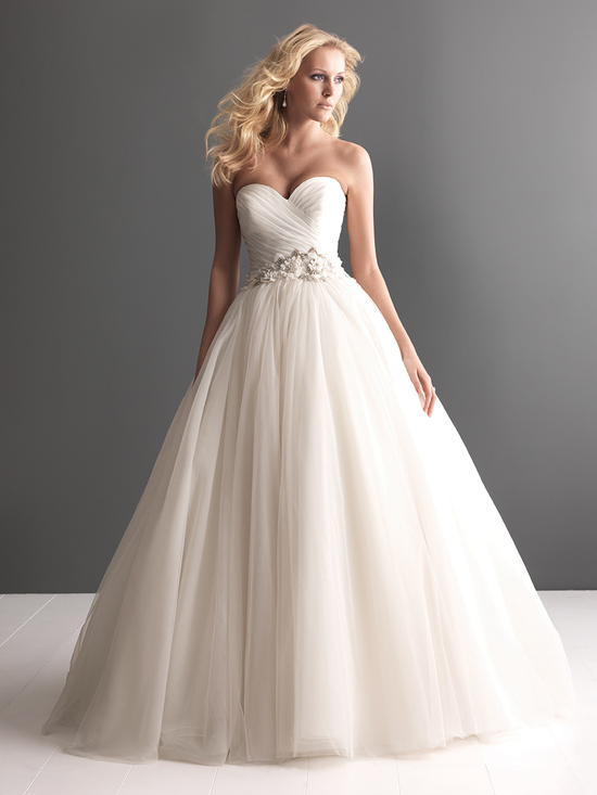 Allure Bridals Wedding Dress Bridal Gown Romance Collection Sweetheart 2607f