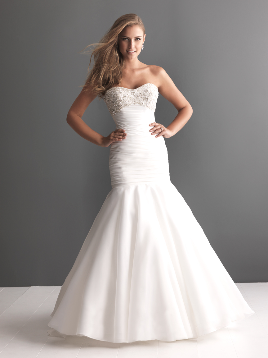 Allure-bridals-wedding-dress-bridal-gown-romance-collection-sweetheart-2617f.full