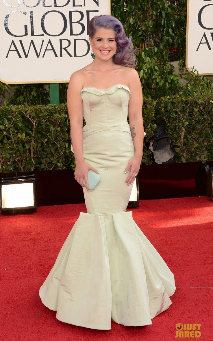 Kelly-osbourne-giuliana-rancic-golden-globes-2013-red-carpet-01.full