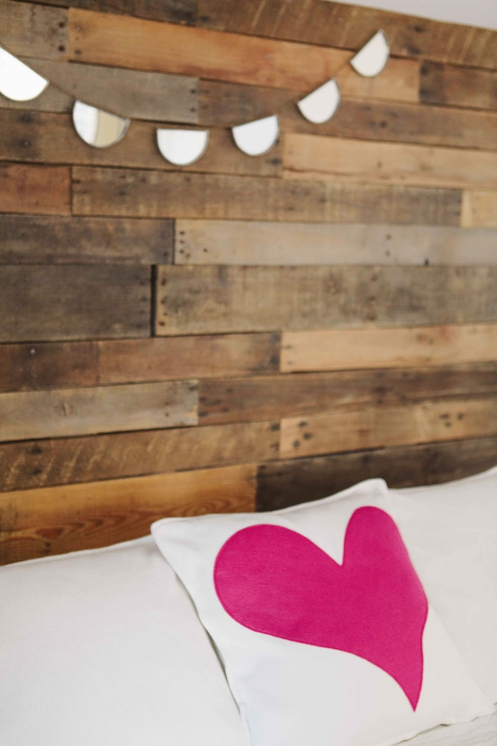 Heart-adorned-decor-pillow-wedding-diy.full