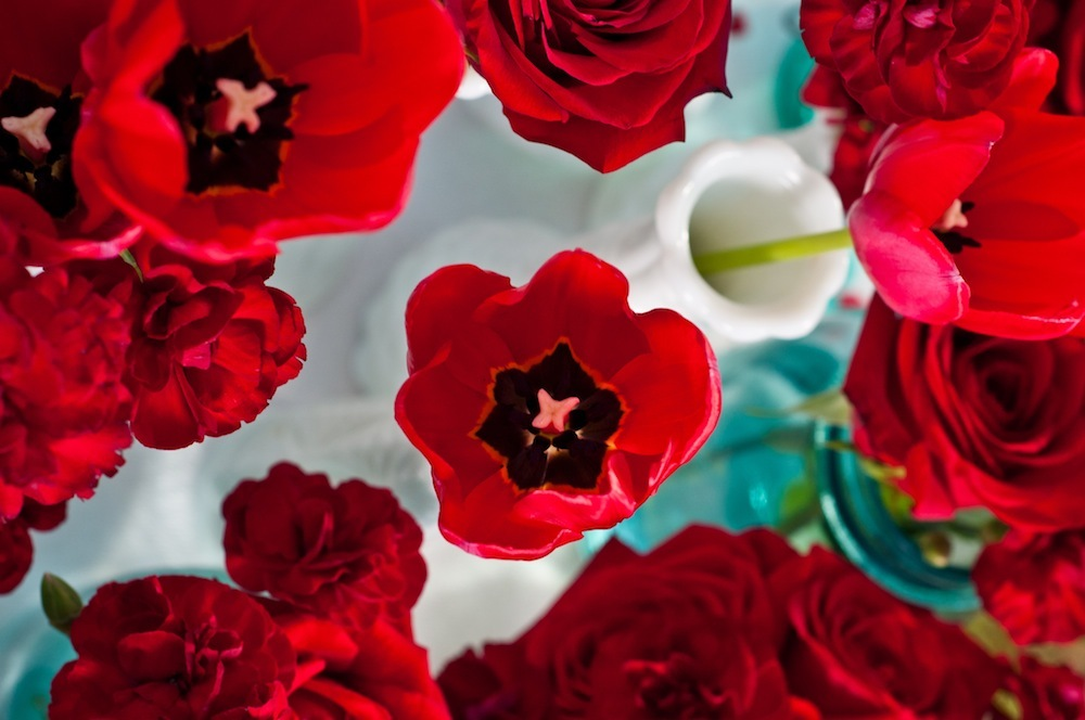 Deep-red-anemones-valentines-day-wedding-inspiration-simple-centerpieces.full