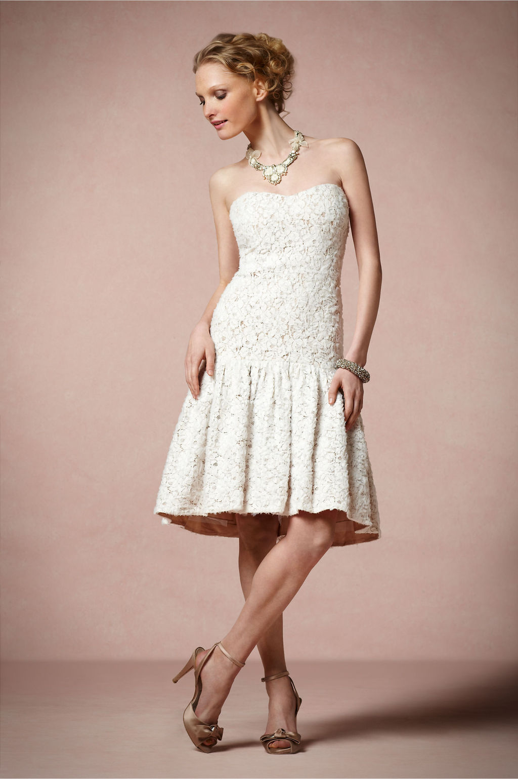 Ivory-lace-lwd-for-the-wedding-reception.full