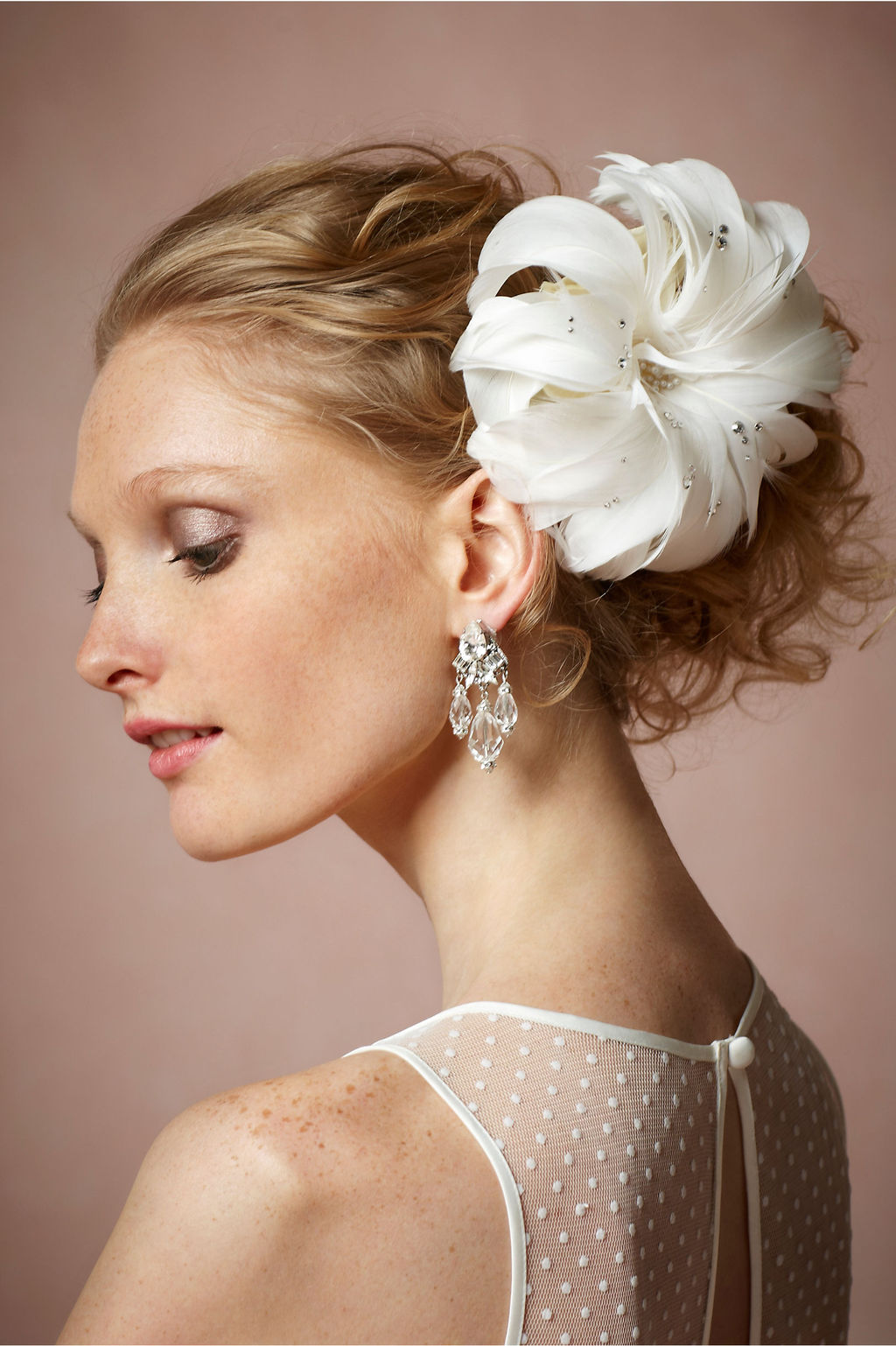 Feather-bridal-hairpiece-with-crystaks.full