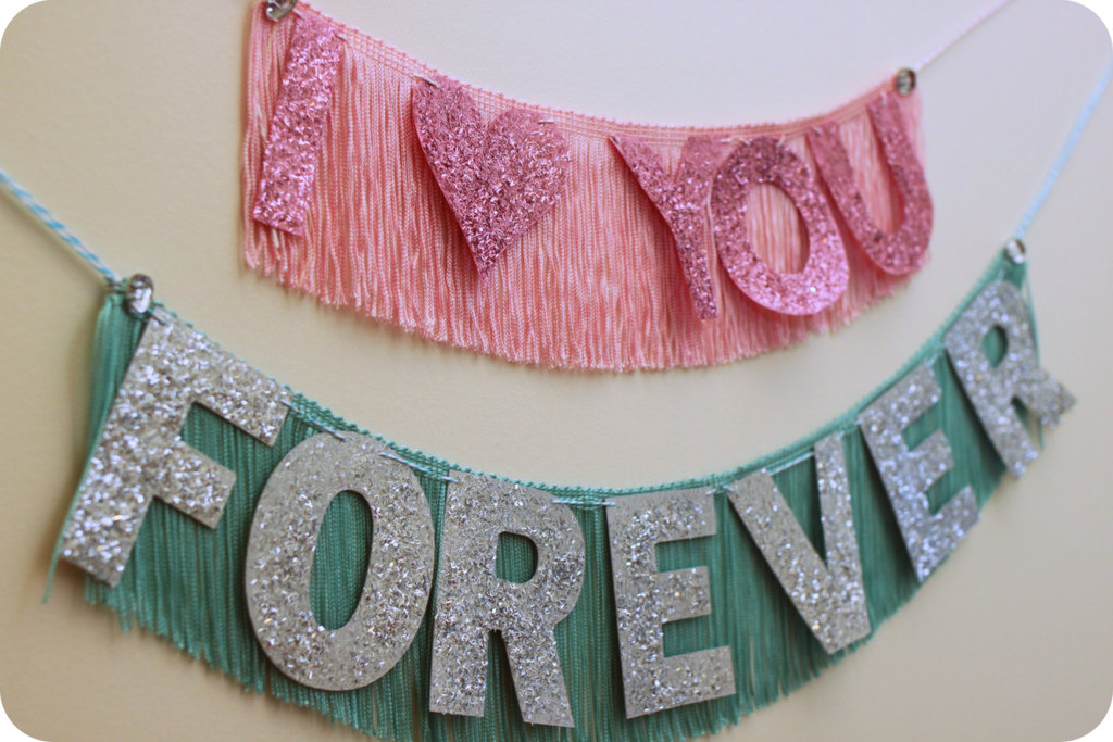 Sparkly-fringy-wedding-sign.full
