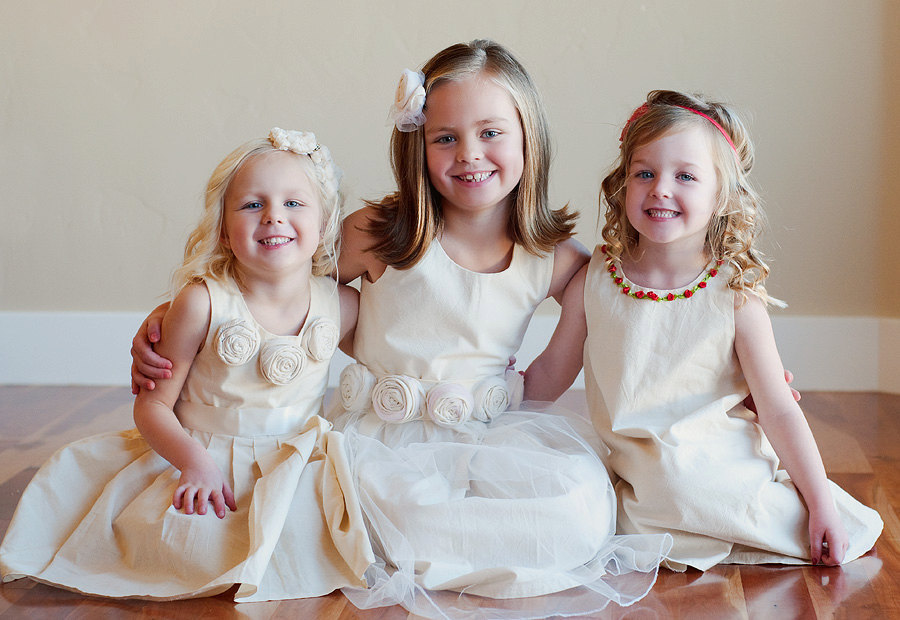 Cute-flower-girl-dreses.full