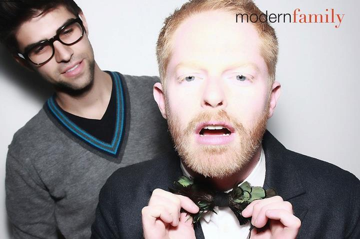 Modern-family-star-wears-feather-bow-tie-to-wedding.full